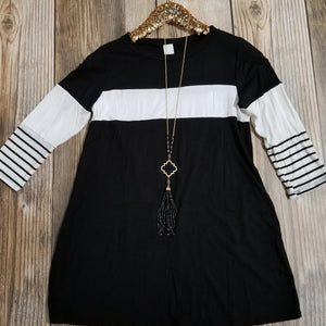 Black & White Stripe Three Quarter Sleeve Top