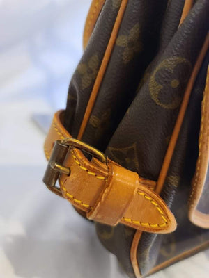 Louis Vuitton Samur 30cm Monogram