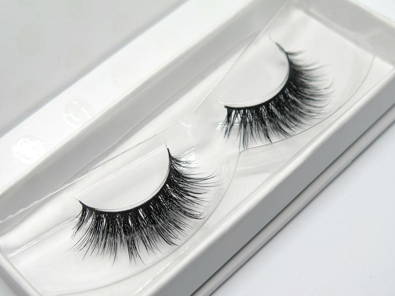 "LONDON LASH GLAM ""EMILIE"" LASHES"