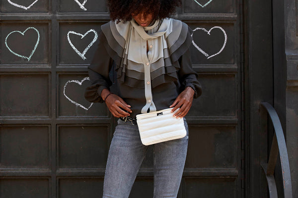 4 Amazing & Unforgettable Hands-Free Bags for Fall