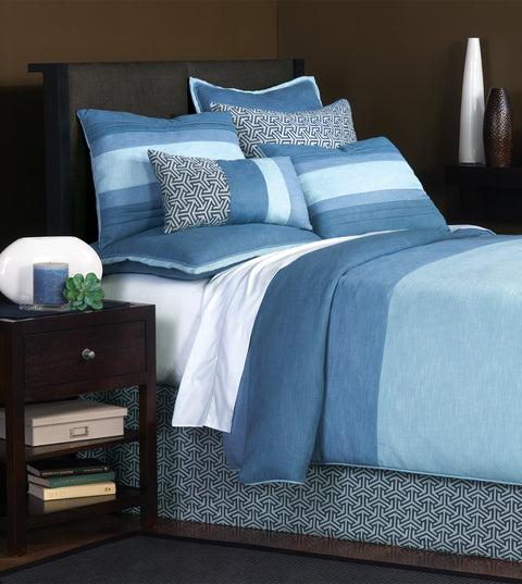 Le Monde Graphic Bedset in Blue (Super Queen)