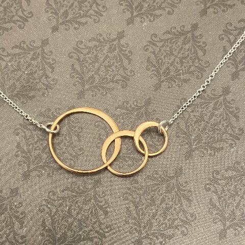 NEW** Rose Gold 3 Interlocking Rings on Sterling Chain