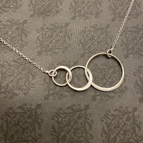 Sterling Silver 3 Interlocking Rings Necklace