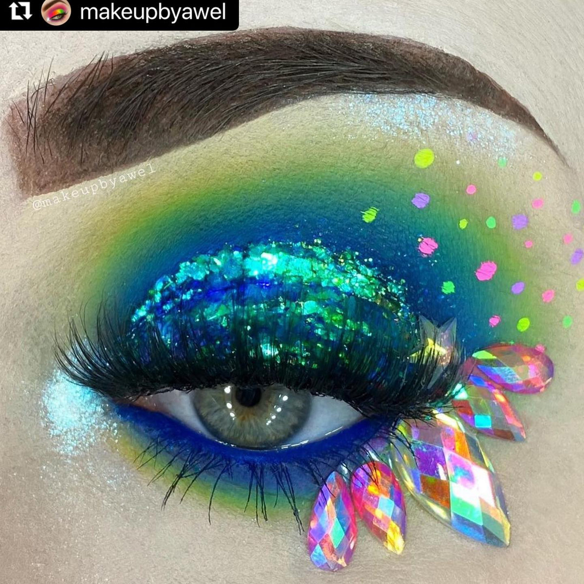 Amazing look awel 😍👏🏼 @makeupbyawel...