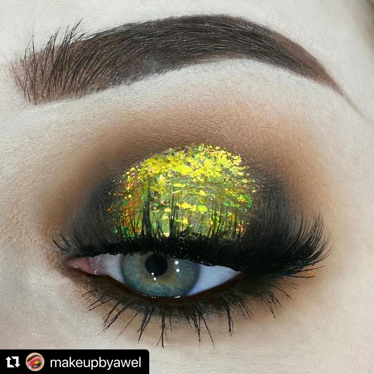 Stunning look by @makeupbyawel with...