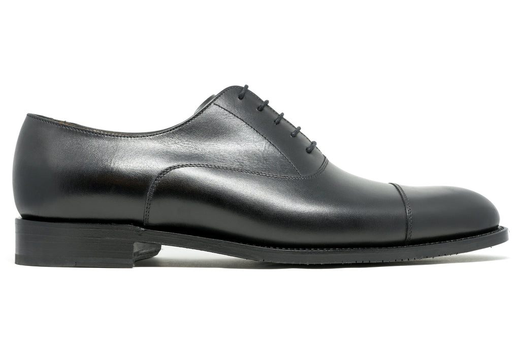 The Beaverbrook Oxford -Wide - is a Goodyear Welted, Black, toe cap oxford.