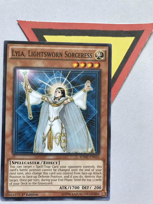 LYLA, LIGHTSWORN SORCERESS - COMMON - SDMP-EN016 - 1ST