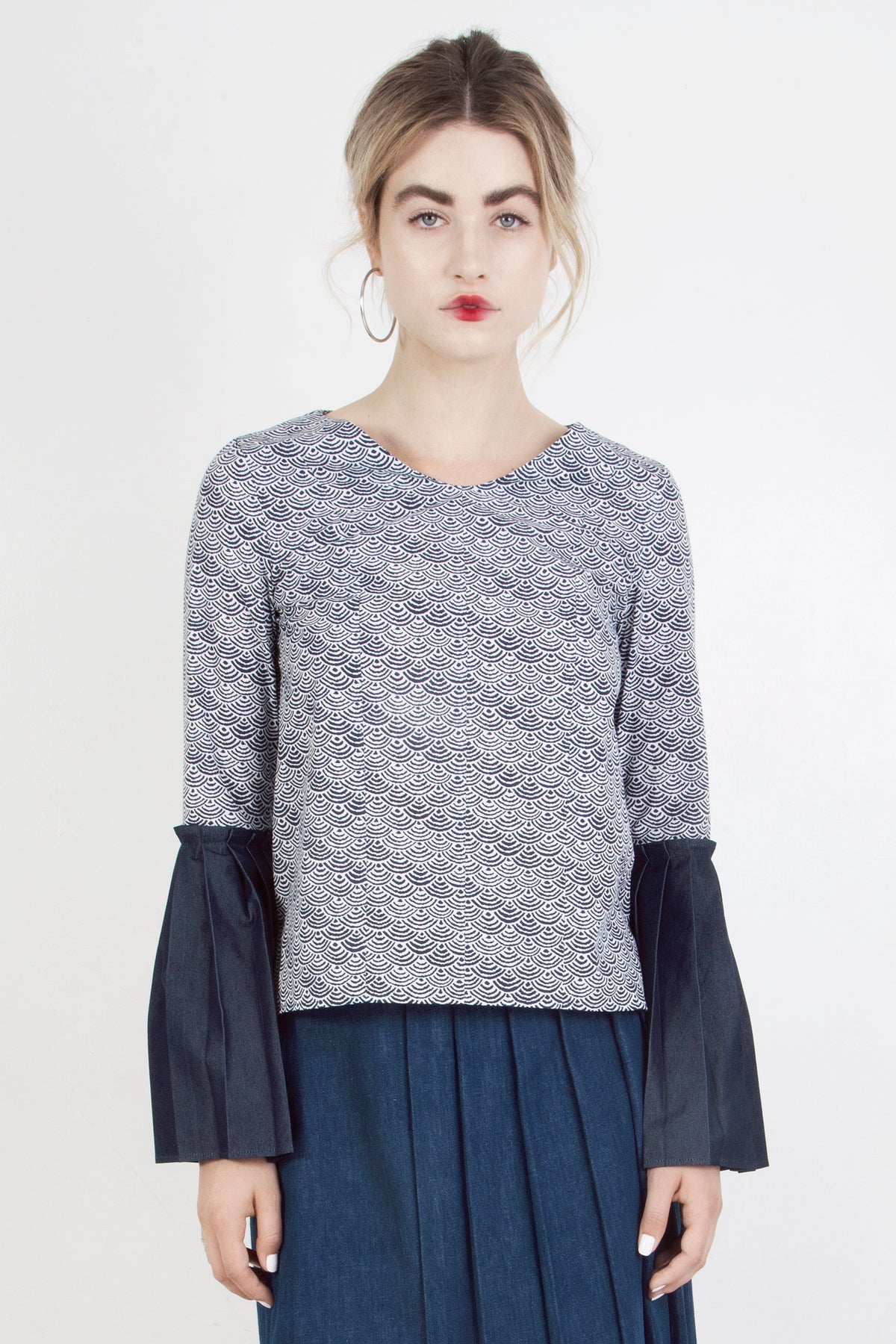 Japanese Print Top W/ Pleated Sleeves