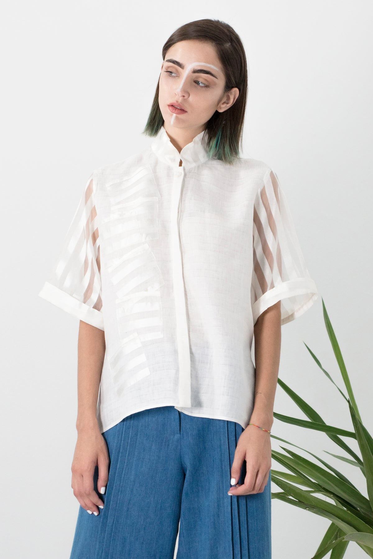 Multi-pockets mandarin shirt w/ short sleeves