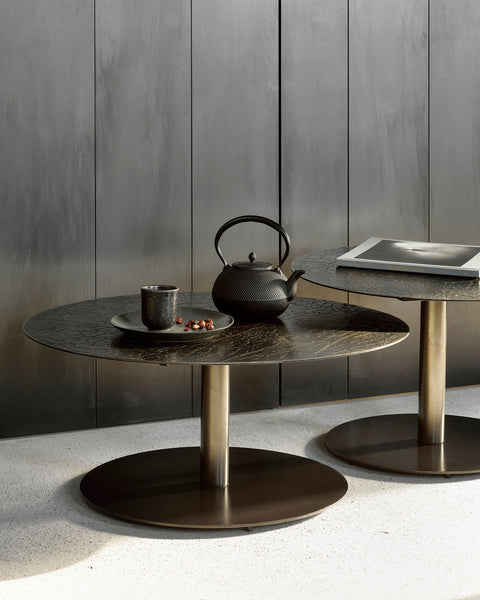 Sphere coffee table - umber