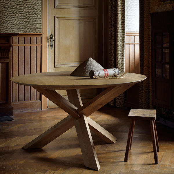 Oak Circle Round Dining Table