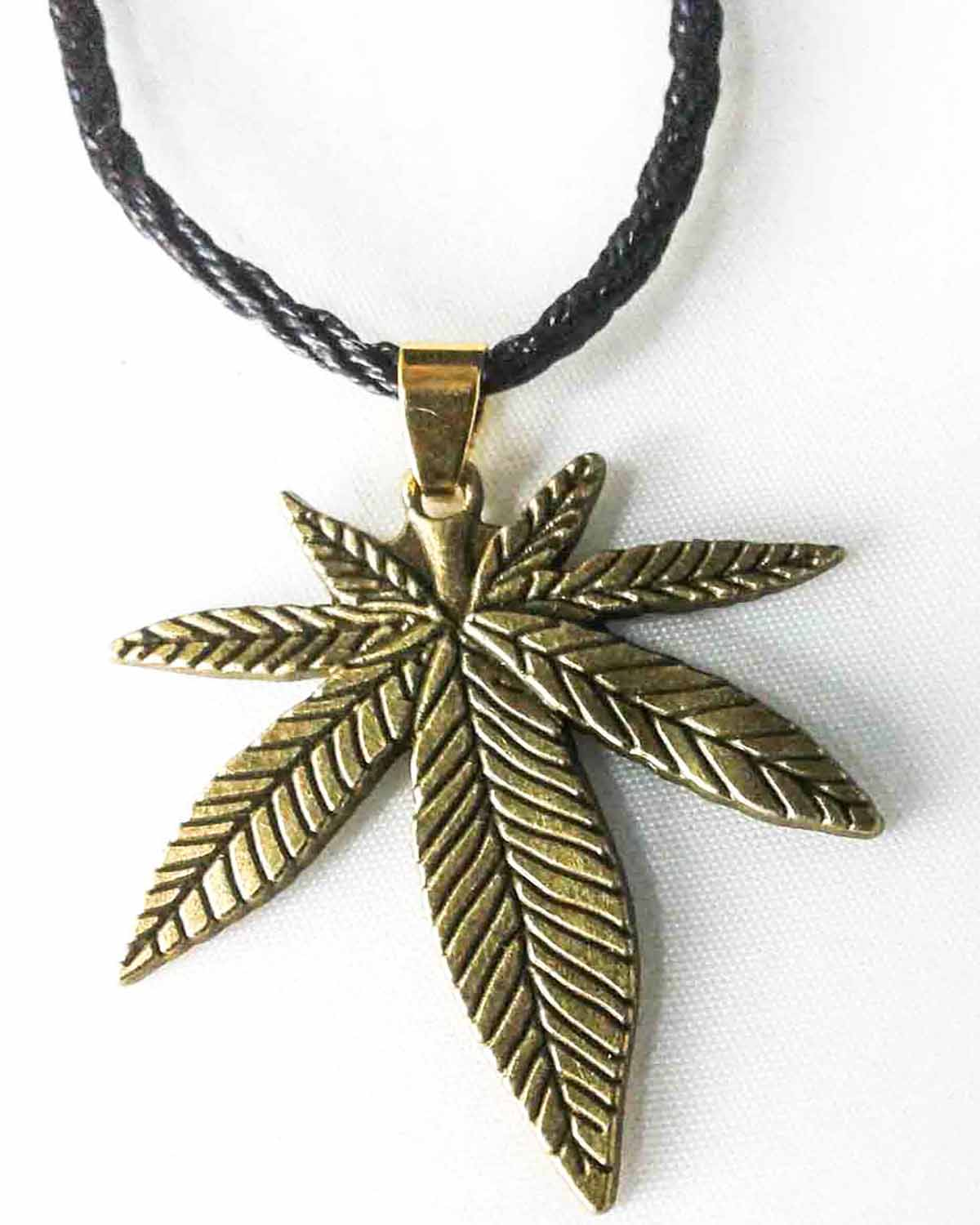 antique style pot leaf pendant