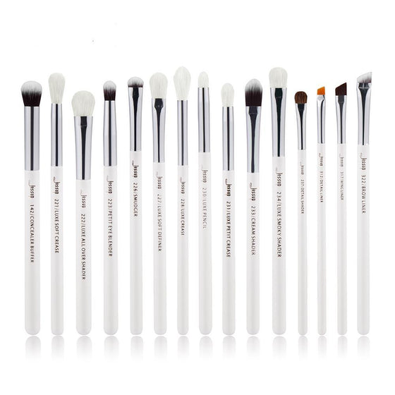 PEARL WHITE AND SILVER EYE MAKEUP BRUSHES - Pamperpal