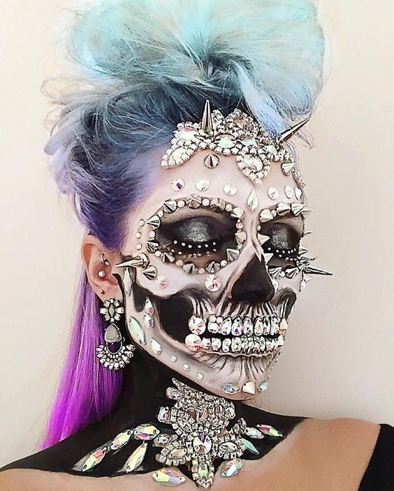 9 Of The Best Glitter Skulls On Instagram To Win Halloween