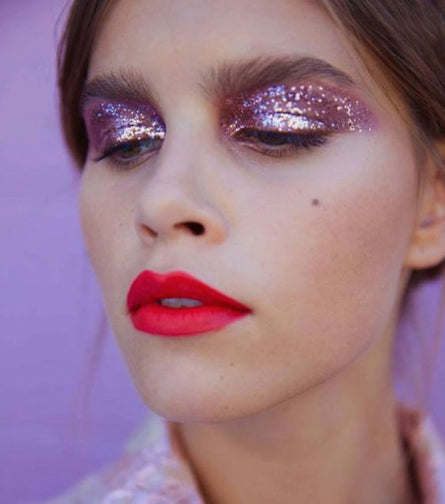 7 Easy Glitter Looks To Copy This Weekend