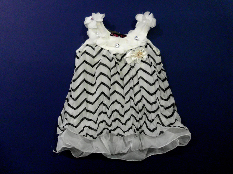 White Black Zigzag Crinkling Chiffon Swing
