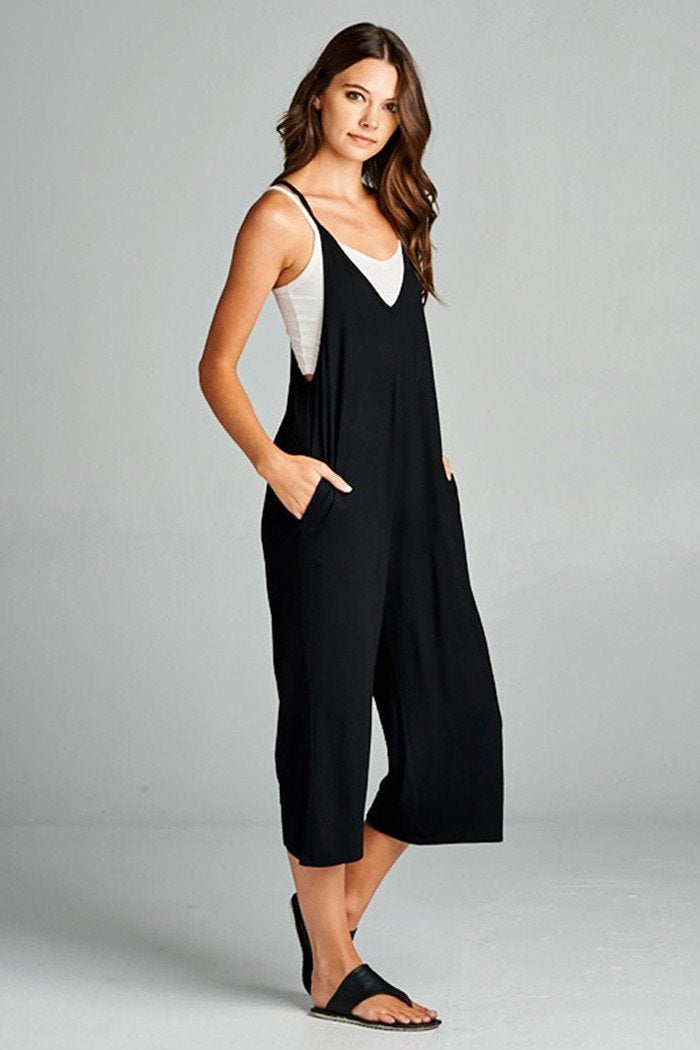 Aynara Fashion Sleeveless V-neck Cropped jumpsuit