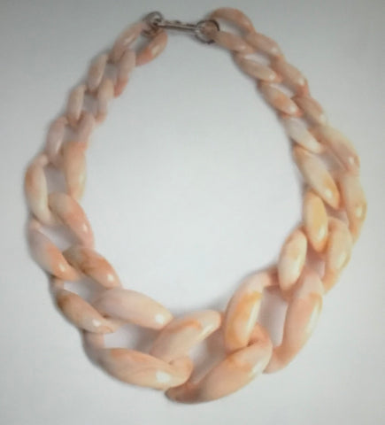 (J) Cream Bone Necklace