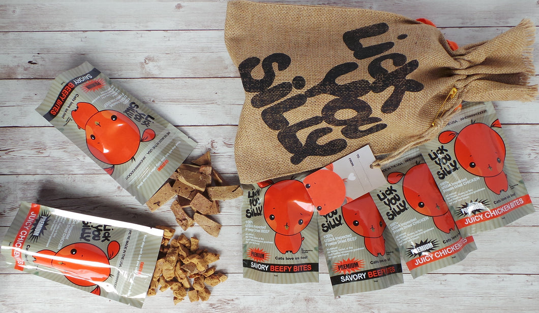 Lick You Silly Burlap Bag Grab N' Go Combo Chicken and Beef Bites Dog Treats packed into 6- 1oz pouches (6 oz.) – All-Natural USDA Inspected Freeze Dried meat – Gluten, Grain & Wheat Free
