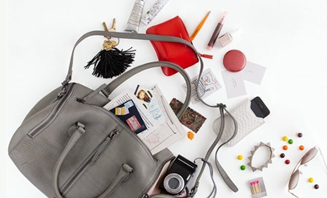Top Hacks To Avoid Mess In Your Bag!