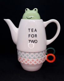 Tea For Two - Frog in the teapot