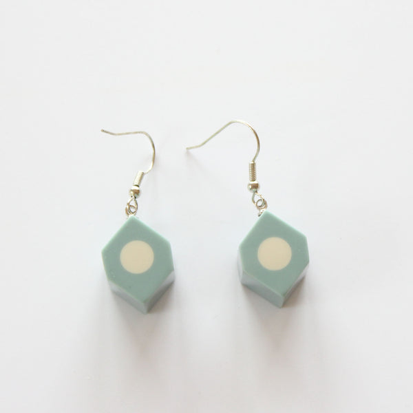 POLISHED RESIN EARRINGS