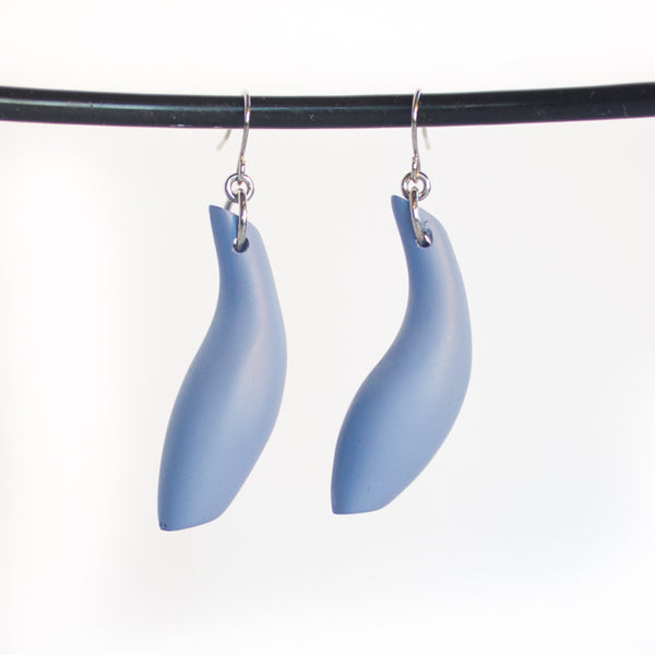 EARRINGS IN FISH SHAPE MADE FROM RESIN