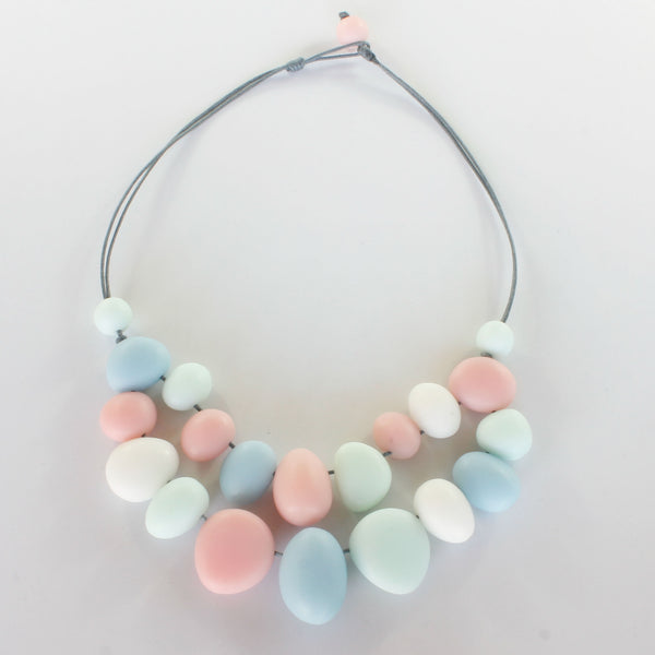 RESIN PEBBLE NECKLACE