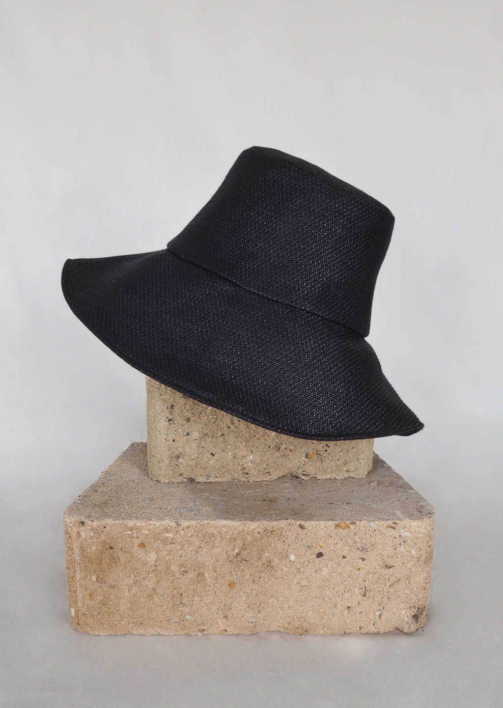 25.1 Lady Hat Black Rattan