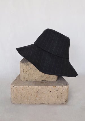 25.1 Lady Hat Charcoal Pinstripe