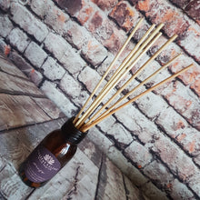 Eco-Reed Diffuser with Jute Travel Pouch
