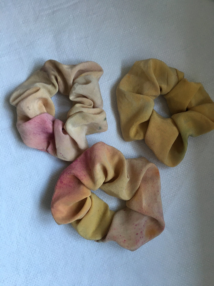 Naturally dyed silk crepe scrunchie - Mellow yellow.