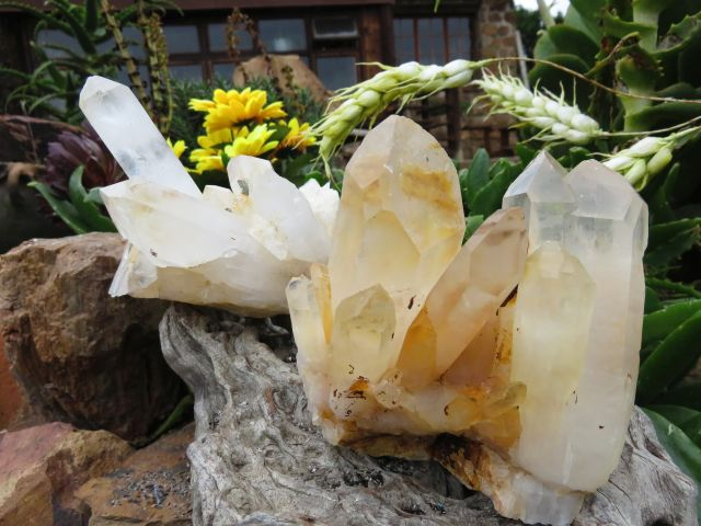 2 Natural quartz crystal clusters - TopRock