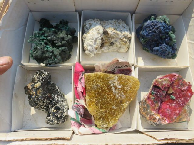 6 Natural mixed minerals - Top Rocks