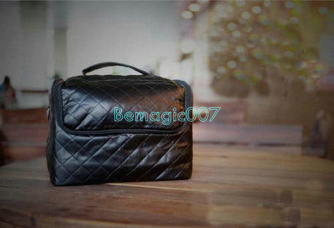 Close-Up Leather Bag (Professional) --Magic Accessories - Bemagic