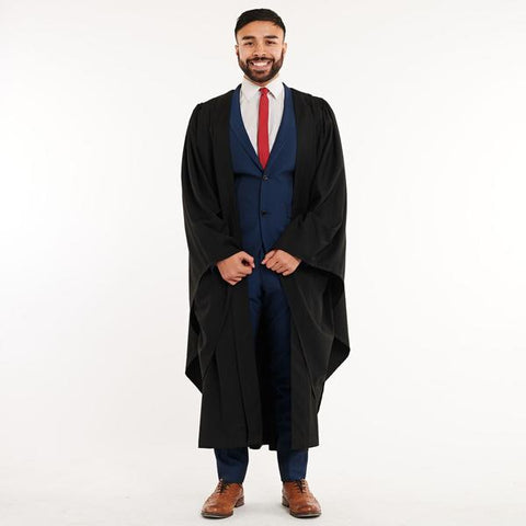 BACHELORS GOWN & MORTARBOARD SET