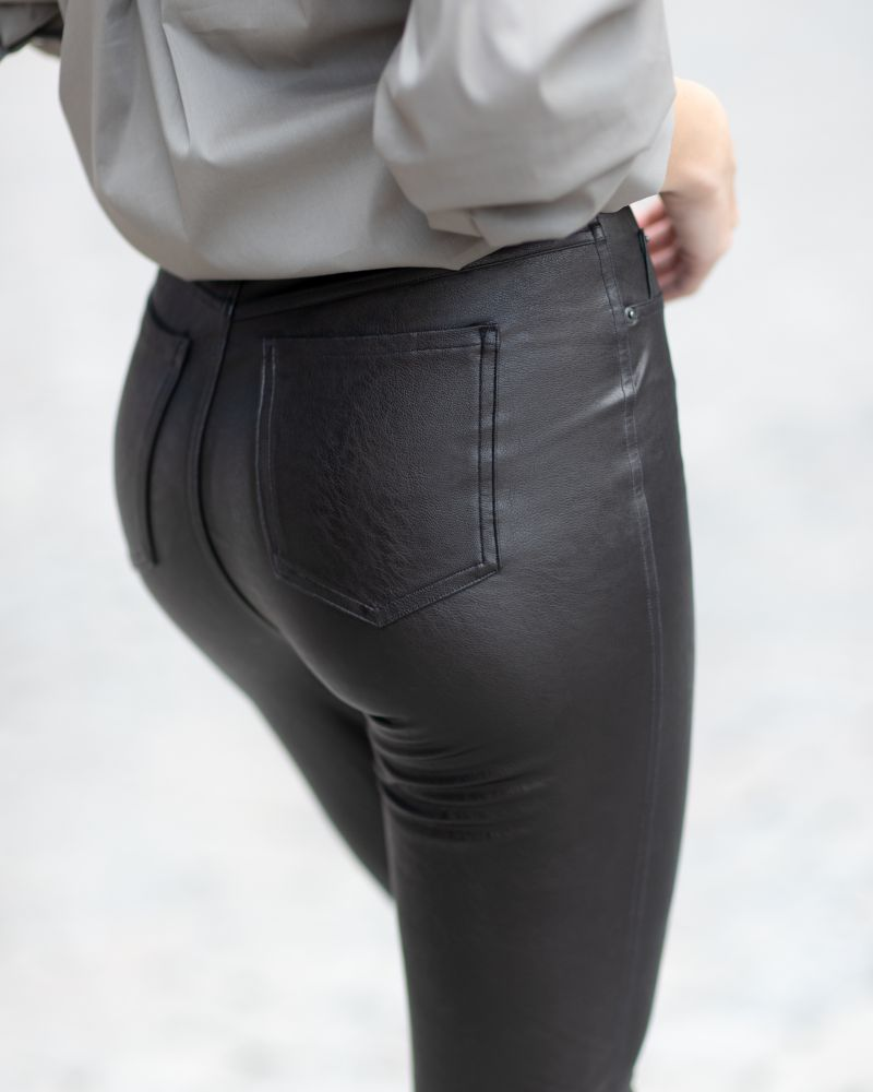 Leather-Like Ankle Skinny Pant - Spanx