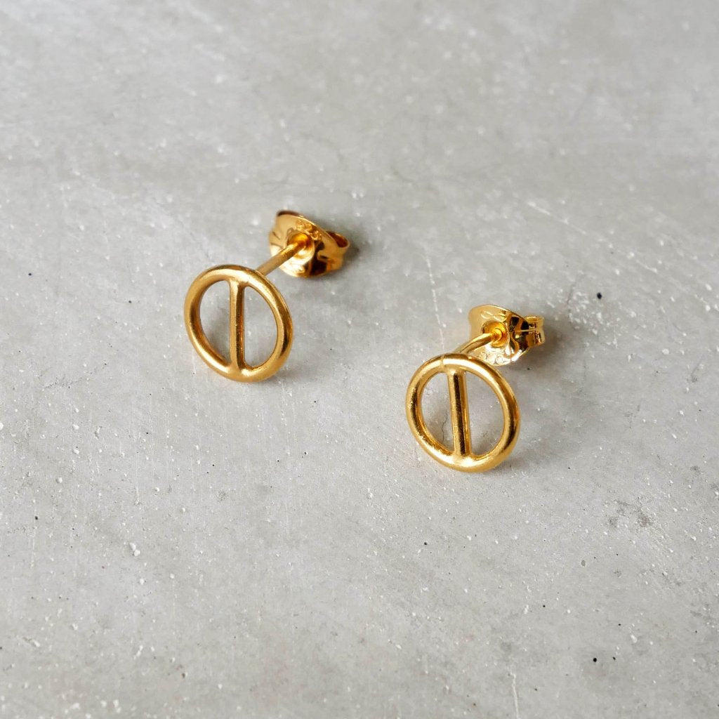Geometric Circular Ear Studs in Gold