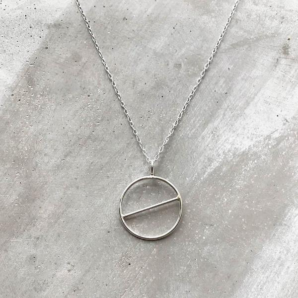 Geometric Circular Necklace in Silver