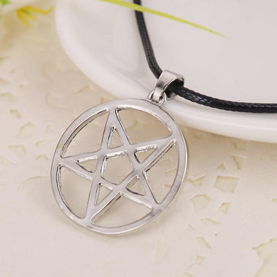 Black Butler Pentagram Necklace anime-store