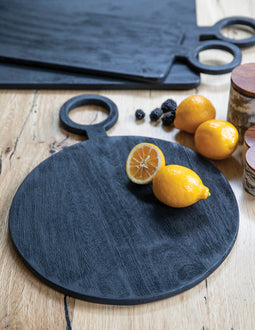 BRITTAN ROUND CHOPPING BOARD