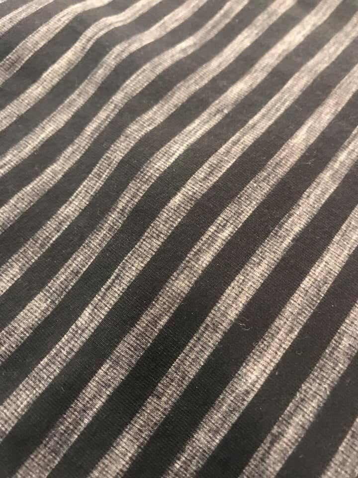Black and Grey Thin Stripe (about 0.5cm)