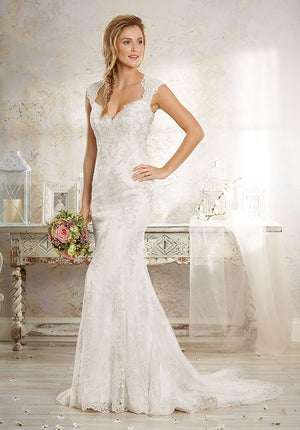 Sold!! Alfred Angelo Size 22W