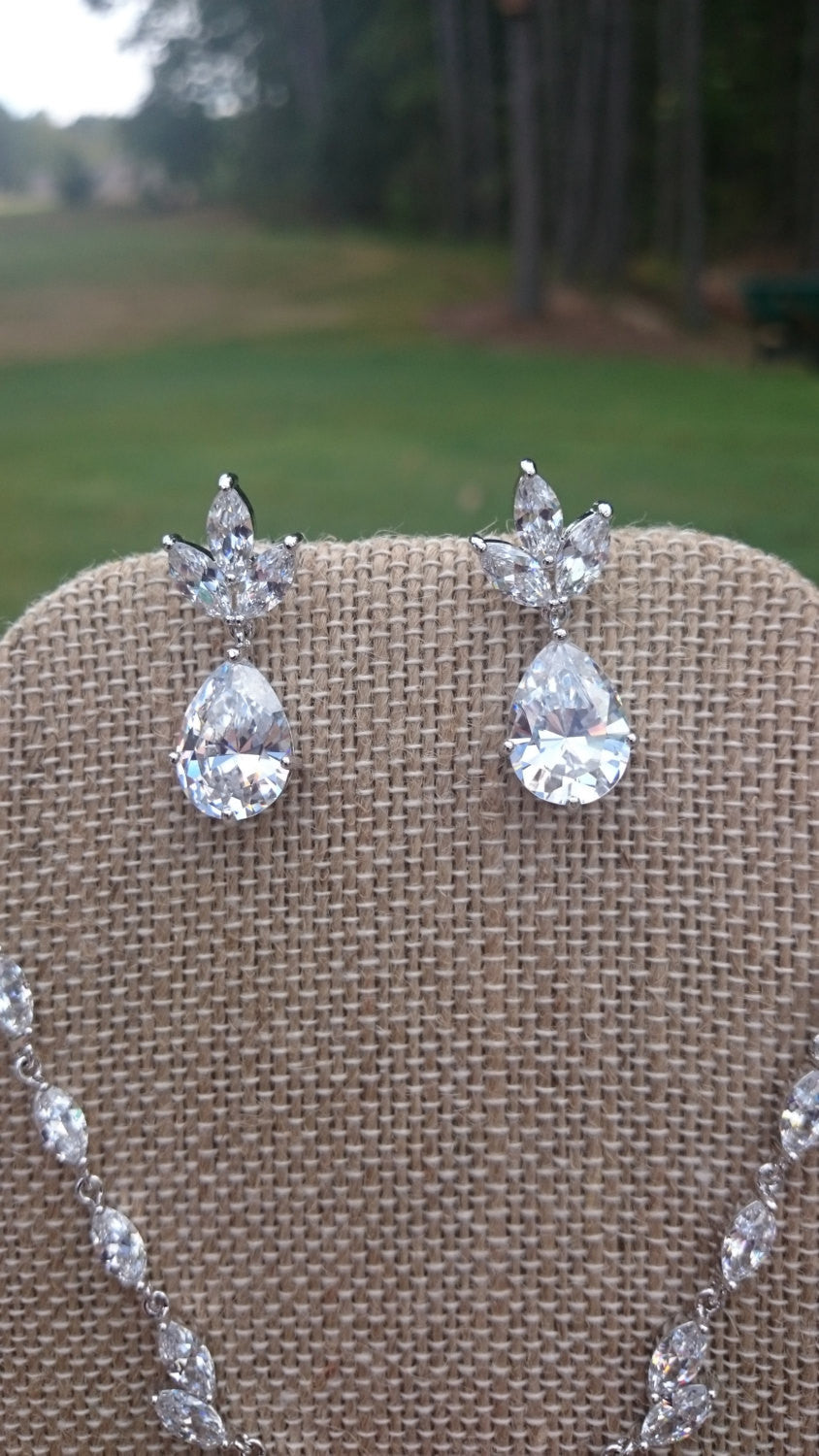 Wedding Jewelry SET, Crystal Bridal Jewelry Set, Wedding Earrings, Bridal Earrings, Bridal Pendant Necklace, CZ Teardrop Necklace, Pear