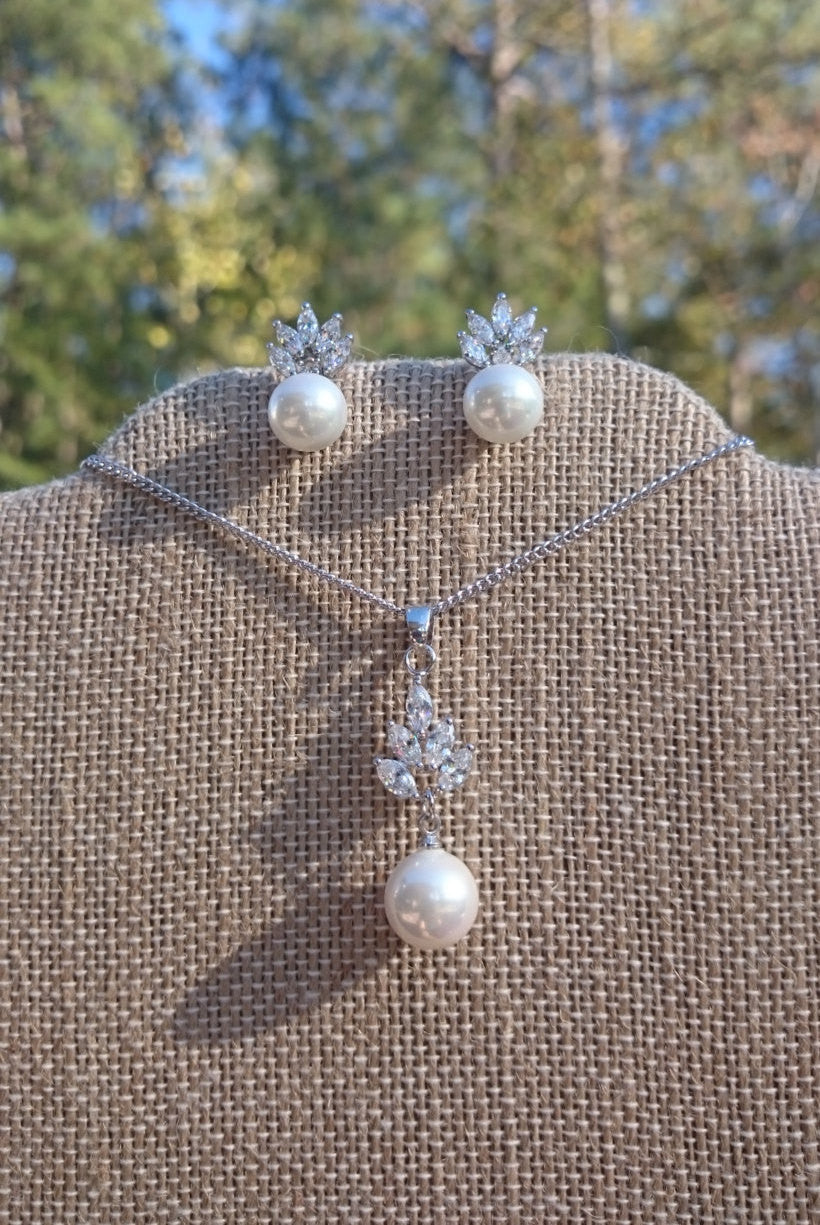 Pearl jewelry set, bridal jewelry set, pearl jewelry pearl earrings pearl necklace bridesmaid gift Christmas gift