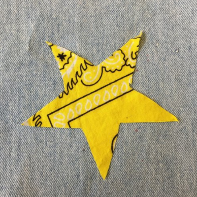 YELLOW BANDANA STAR