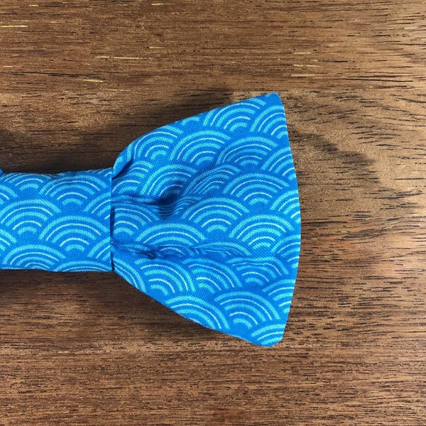 Bow Tie - Waves