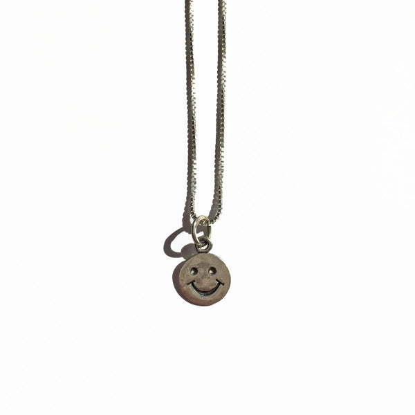 HAPPY FACE CHARM - ORO ORO Chains & Charms