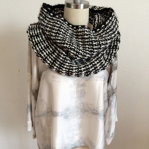 Handknit Alpaca Cowl - black and white