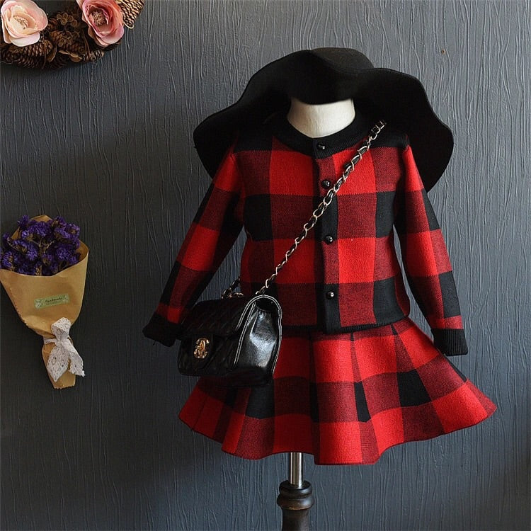 Plaid set in red